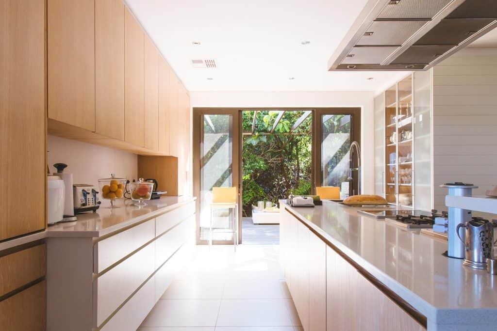 デザイナー目線でセレクト。便利でおしゃれなキッチン家電10選。新築祝いにも。