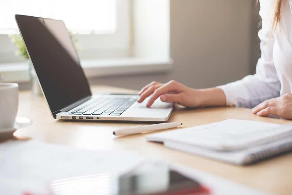 【徹底解説】Webデザイナー未経験の主婦が在宅で稼ぐまでの実践方法
