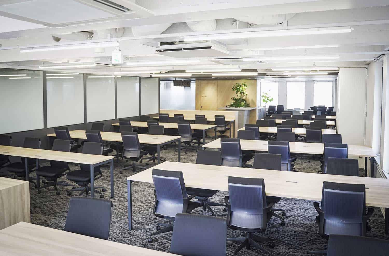 渋谷駅徒歩5分。国内最大級のデザイナー教室に週7日通い放題